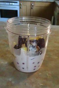 smoothie-bowl-ingredients-with-nutmilk-added